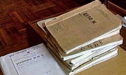 Вор на допросе у следователя выбросил в форточку 10 томов уголовного дела