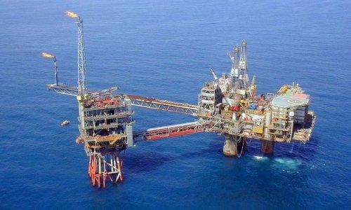 Цена на нефть упала на $1,5 за баррель