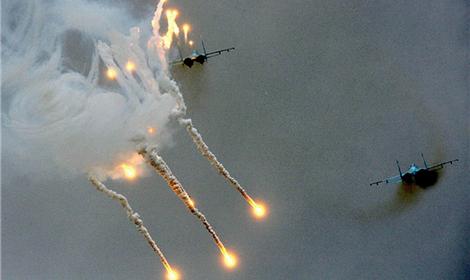 ВВС Израиля нанесли удары по объектам боевиков в секторе Газа