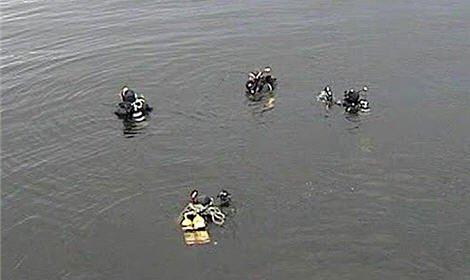 В Нижнем Новгороде в районе Гребного канала на лед упал частный вертолет