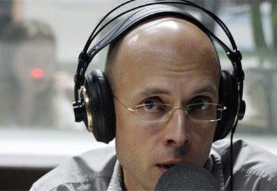 На юге Москвы около полуночи был ранен ножом журналист Сергей Асланян