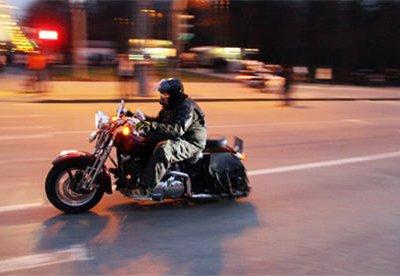 К 1 июня на Воробьевых горах установят светофоры для байкеров и велосипедистов