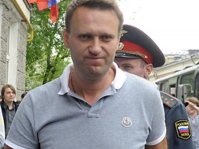 У оппозиционера Алексея Навального дома проходит обыск