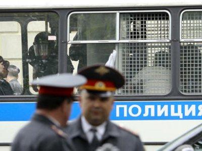 Пришедших поддержать Сергея Удальцова задержали