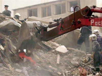 В результате обрушения здания на севере Египта погибли 12 человек