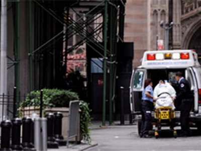В Нью-Йорке автомобиль врезался в толпу пешеходов