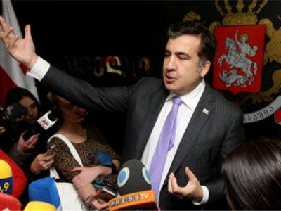 США просили Саакашвили не начинать войну с Россией