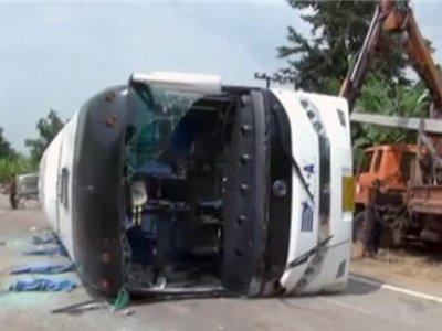 В Японии перевернулся автобус перевозивший игроков школьной команды по бейсболу