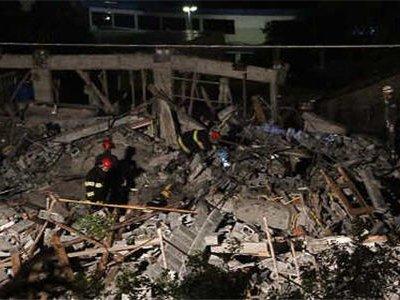 Пятиэтажное здание обрушилось в пригороде бразильского города Сан-Паулу