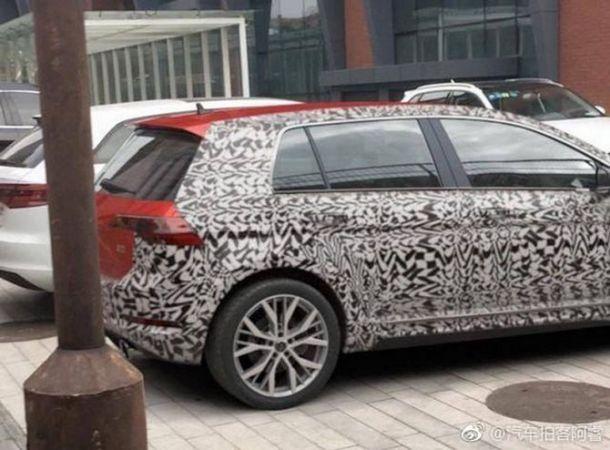 В Сети появились первые «живые» фото нового Volkswagen Golf 2020